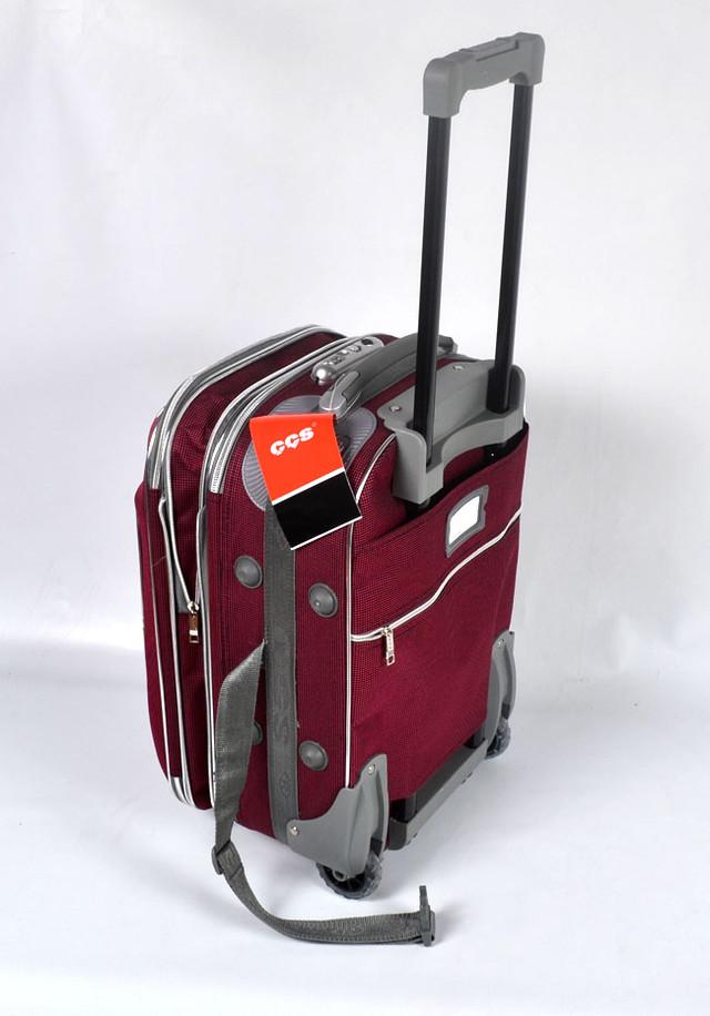 de825f2267fa Дорожный чемодан модный и стильный. С ним можно смело ехать или лететь в  путешествие или на отдых.