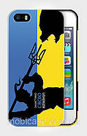 """Чехол для для iPhone 5/5s """"KOZAK vs BEAR""""."""
