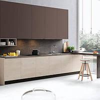 Кухня с фасадами цвета Мокко и механизмом push-to-open, фото 1