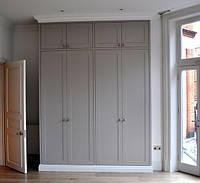 Серый распашной шкаф с антресолями