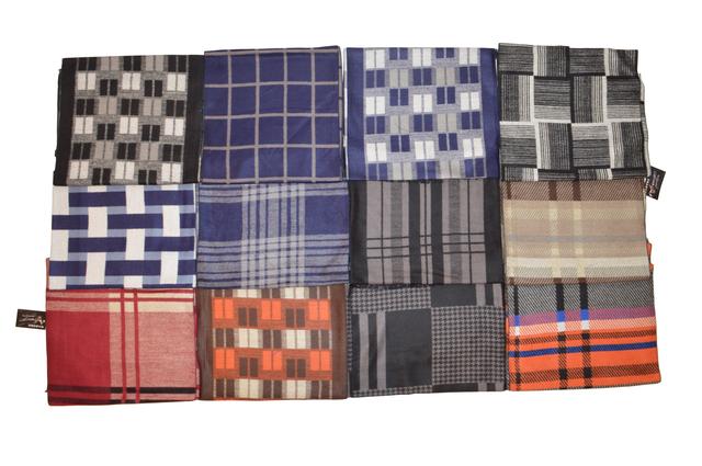 Фото разновидностей красного мужского кашемирового шарфа 3