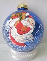 """Стеклянный шар 85 мм """"Дед Мороз сыплет снег"""""""