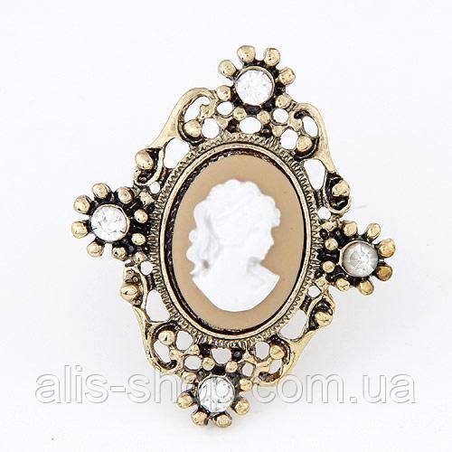 Царский дизайн красивого  кольца - камелия