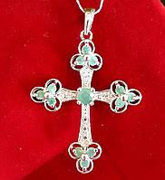 Серебряный крестик с изумрудом