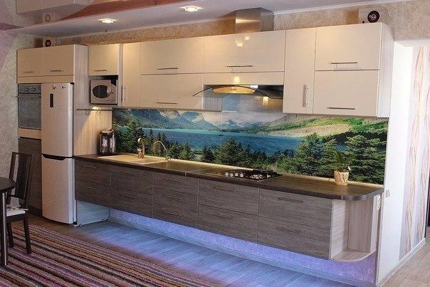 Стеклянный кухонный фартук с изображением лесного озера