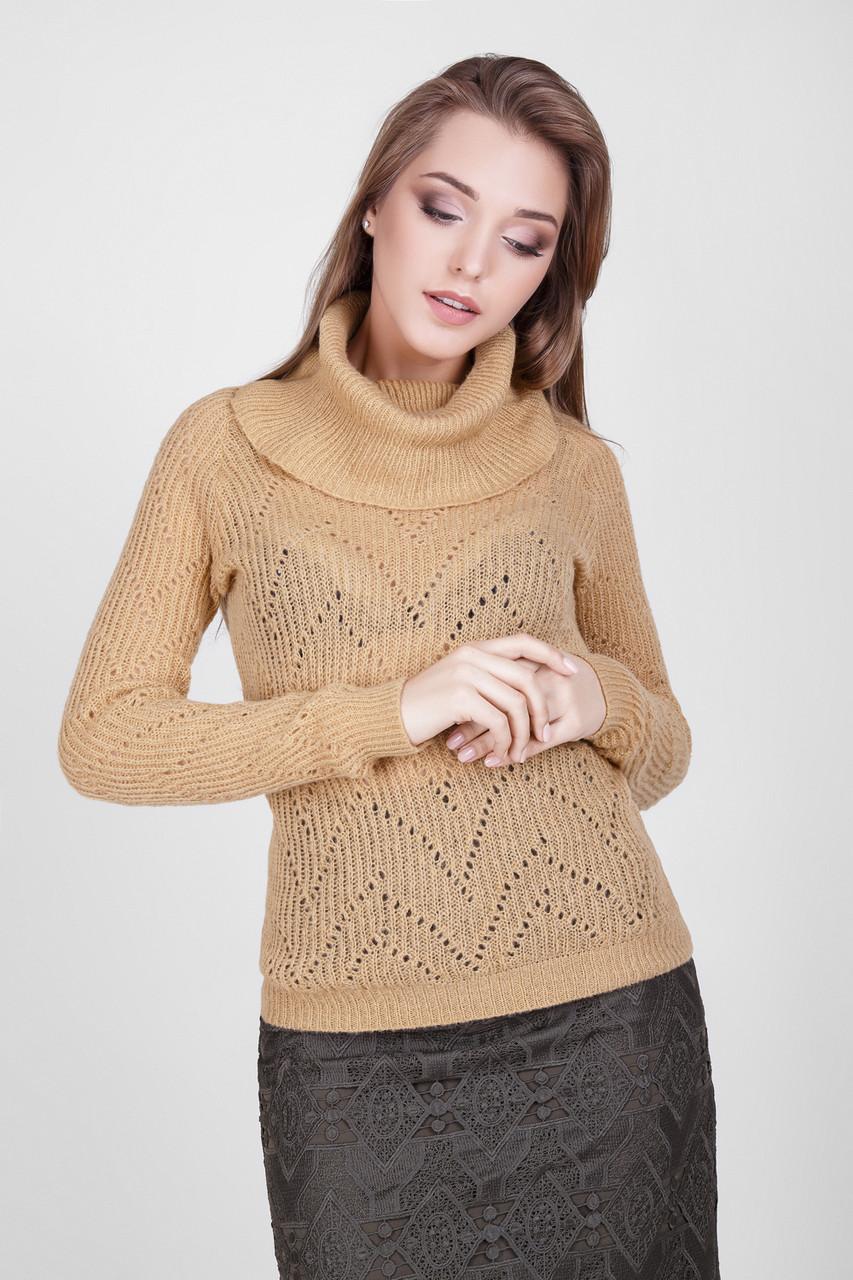 """Классический женский свитер с воротником """"хомут"""", цвета карамели"""