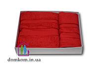 Набор полотенец красный