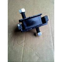 Подушка двигателя 7FG10-25/5K,7FG10-30/4Y,7FD20-30/1DZ погрузчик TOYOTA 12361-30511-71