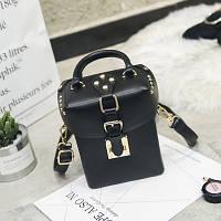 Маленькая женская прямоугольная сумка Бочонок с заклепками черная