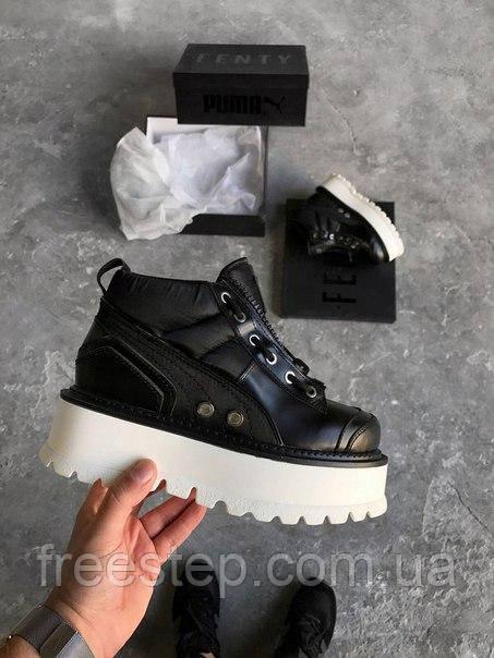 Женские ботинки в стиле Fenty Puma by Rihanna Zipped Sneaker Boots in  Black White, 0637681f24d