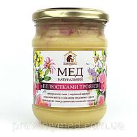 Мед с лепестками чайной розы