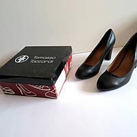 Женские туфли на каблуке 40 размер 26.см Tomasso Taccardi  классика лак