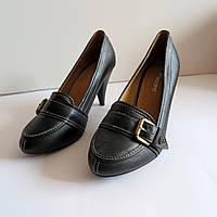 Женские туфли на каблуке 38 размер 24.5.см Tomasso Taccardi  классика лак