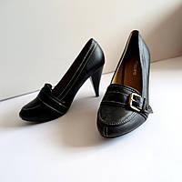 Женские туфли на каблуке 39 размер 25.см Tomasso Taccardi  классика лак