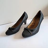Женские туфли на каблуке 39 размер 25.5.см Tomasso Taccardi  классика лак