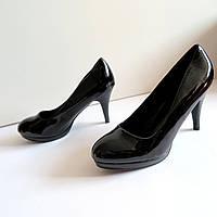 Женские туфли на каблуке 41 размер 26.см Tomasso Taccardi  классика лак