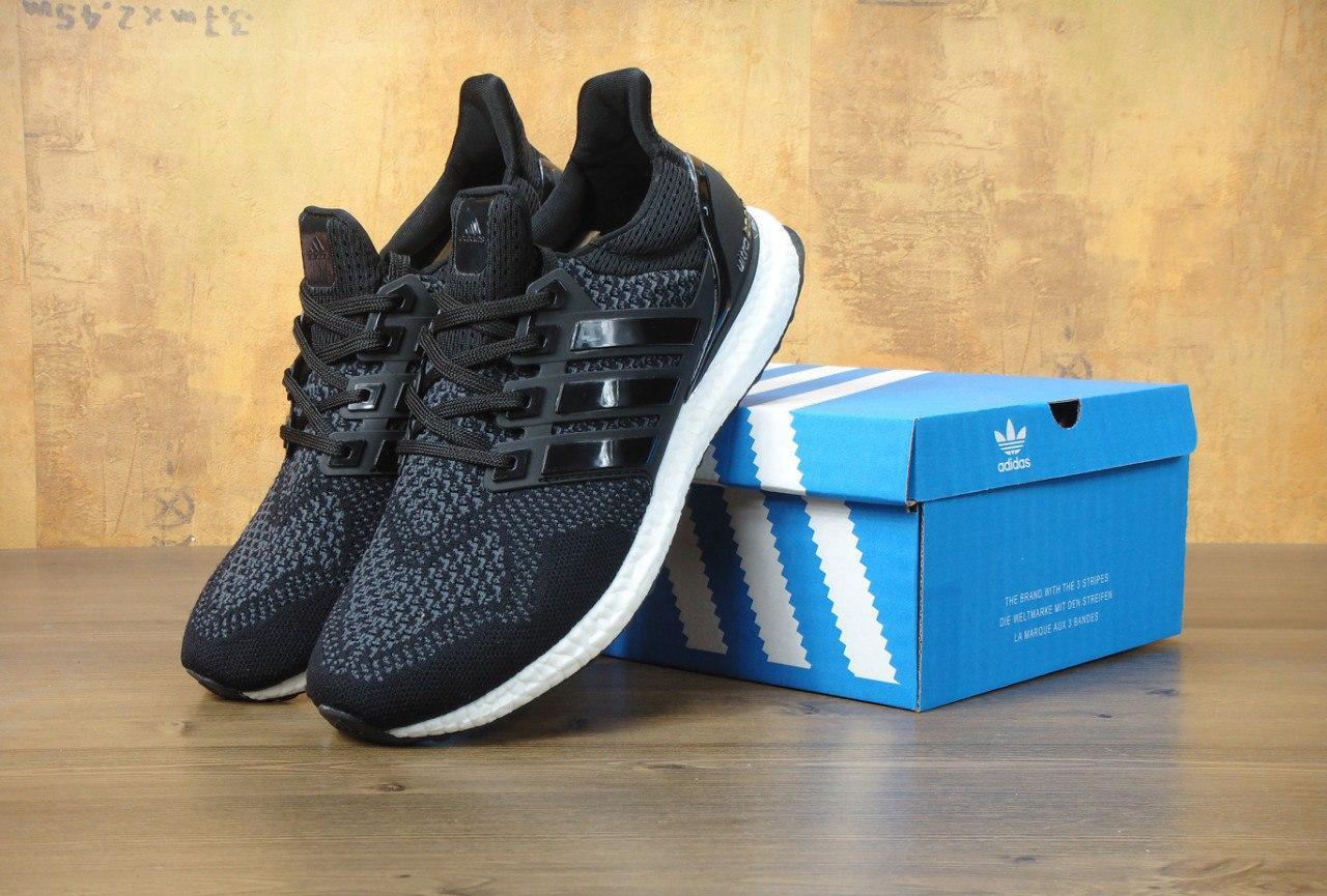Мужские кроссовки Adidas Ultra Boost Black/White топ реплика