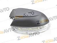 Поворотник на зеркало с подсветкой правый Passat B7 Пассат