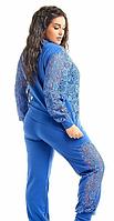 Женский трикотажный спортивный костюм большого размера с гипюровыми вставками.Куртка на молнии  +цвета