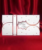 Свадебные пригласительные белые с красным декором