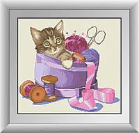 Картина из страз Dream Art Котенок в рукодельной коробочке (квадратные камни, полная зашивка) (DA-30414) 39 х 42 см