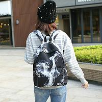Модный рюкзак с черно-белым дымом