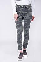 Женские джинсы с камуфляжной расцветкой