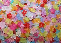 Акриловые цветы и листья