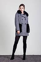 Зимнее твидовое пальто-бочонок с мехом чернобурки