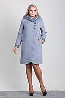 Демисезонное шерстяное пальто c капюшоном из отделочной ткани