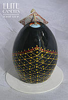 Свеча формы яйца с точечной росписью