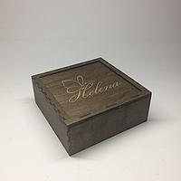 Подарочная упаковка для украшений. Размер 16х16х6 см.
