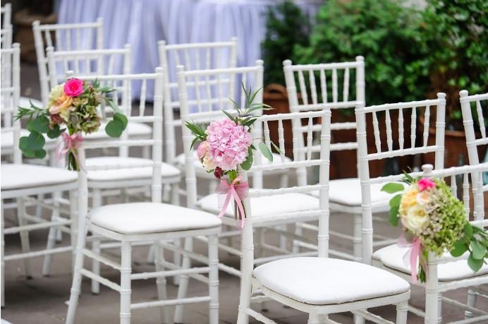 Картинки по запросу аренда банкетных стульев Кьявари   преимущества