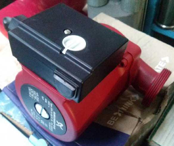 Циркуляционный насос Grundfos UPS 180-32-80 + гайки