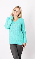 Женский свитер из вязки средней плотности
