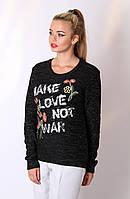 Красивый женский свитер с вышивкой