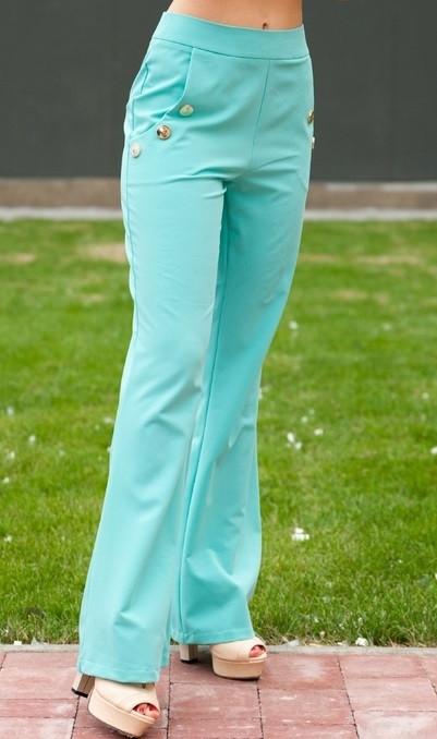 Ментоловые расклешенные брюки с пуговицами