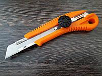 Нож в пластиковом корпусе лезвие 18мм винтовой замок
