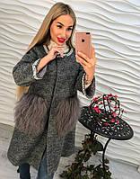 Женское пальто из букле и мехом из ламы