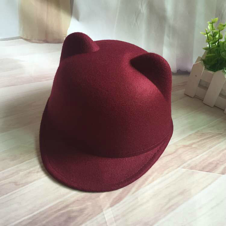 Шляпа женская фетровая жокейка Кошечка с ушками марсала (бордовая)