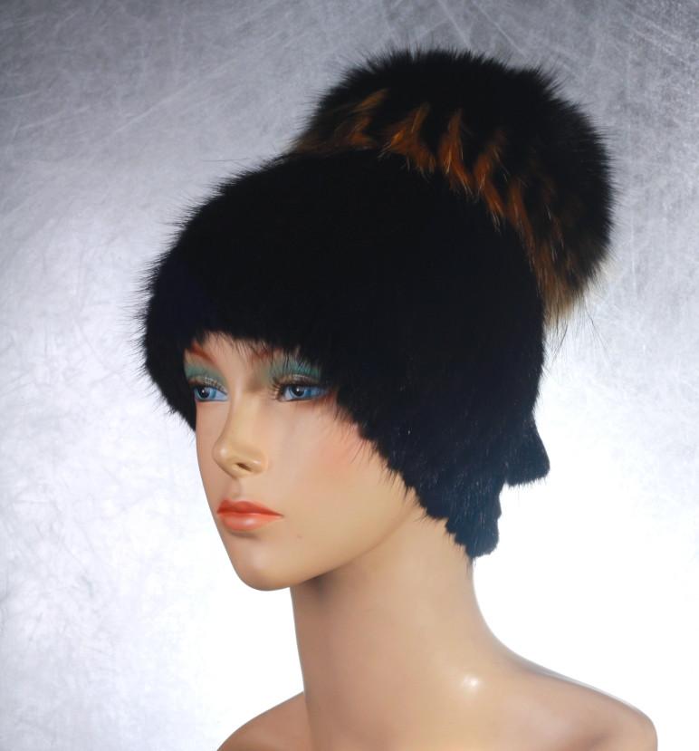 Женская меховая шапка Фонарик-Гамма из ондатры и чернобурки