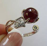 Кольцо с рубином, кабошон (8мм) и фианитами