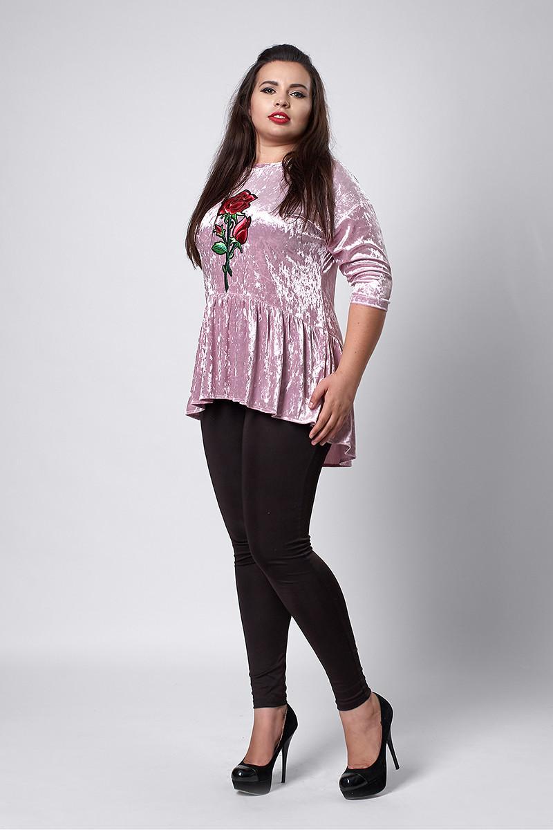 Женская велюровая блуза с вышивкой светло-розового цвета