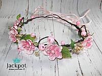 Ніжний вінок для волосся з цвітом яблуні та бусинами ручна робота