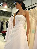 Оптовые скидки. Свадебные платья для полных