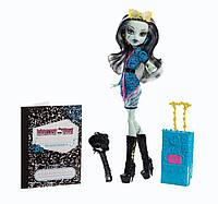 Кукла Монстер Хай Скариж Френки Штейн Monster High Travel Scaris Frankie Stein Doll
