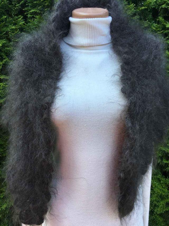 Хустина тепла трикутна з козиного пуху 177 80 см  продажа 37b01f9e65ec4