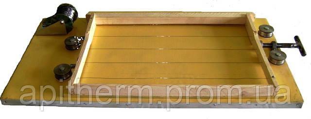 Приспособление для оснащения пчеловодных рамок проволокой