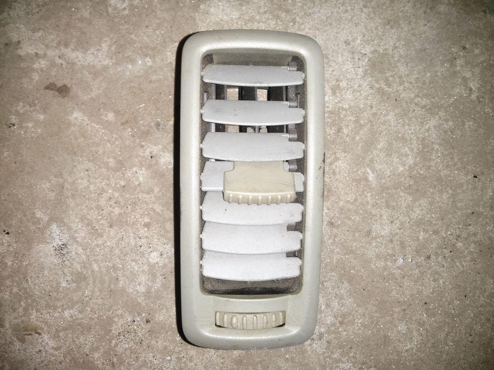 Дефлектор, повітропровід в торпеду (сірий) Renault Trafic, Opel Vivaro 2001> (Б / У)