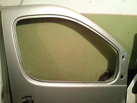 Дверка передня права (гола) Renault Trafic, Opel Vivaro 2001-2013, 7751478601 (Б/У)